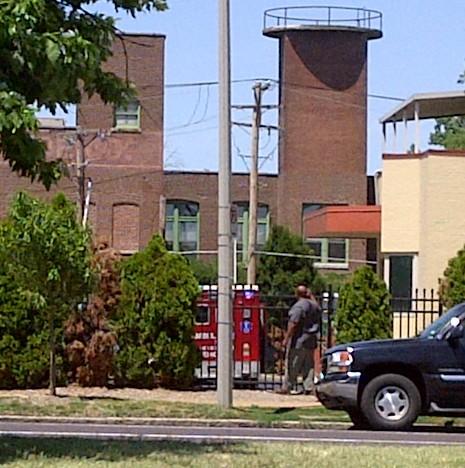 PPStLouis-Ambulance4-6-29-2012